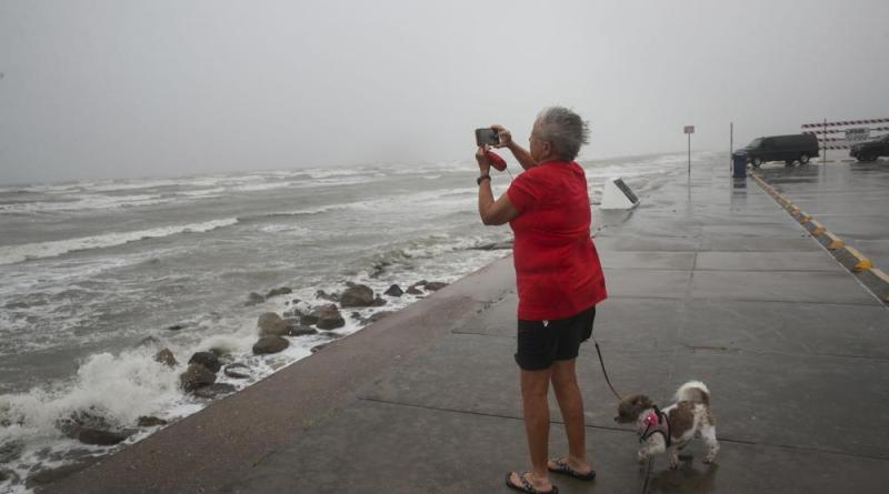 nicholas categoria 1-huracan