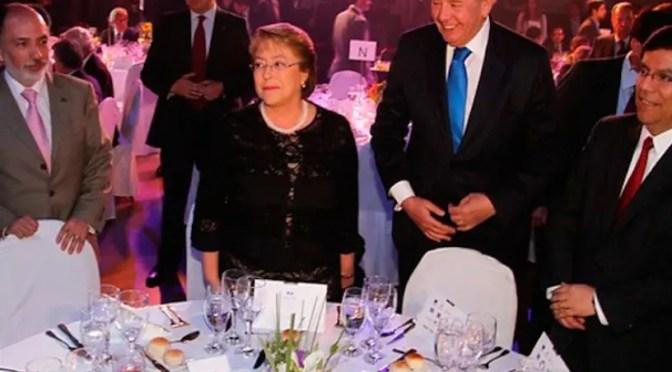 Aliada a la Derecha Bachelet derrotó a los trabajadores públicos