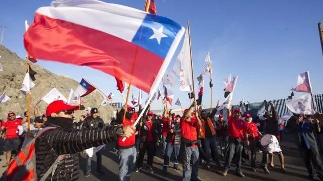 Trabajadores Minera Escondida en pie de guerra: ¡vencer o morir!