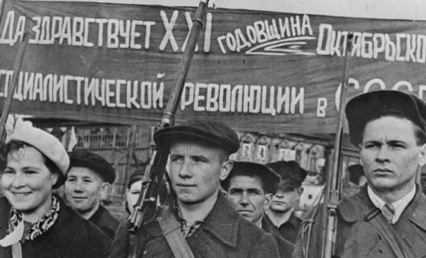 Revolución Rusa: Paz, Pan y Tierra