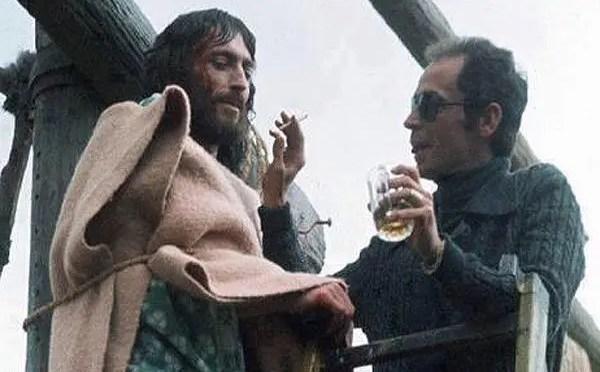 Trotsky: el alcohol, la iglesia y el cine