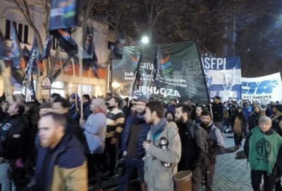 Desde Mendoza, Argentina: Formidable movilización obrera contra Macri