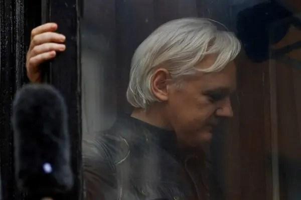 """Julian Assange y la traición de la """"izquierda"""" latinoamericana"""