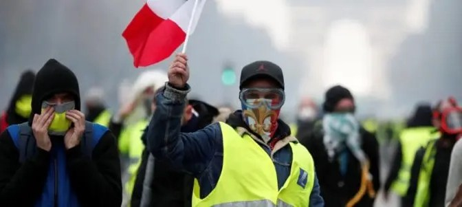 """¿Cuál es el camino por seguir de las protestas de los """"chalecos amarillos"""" en Francia?"""
