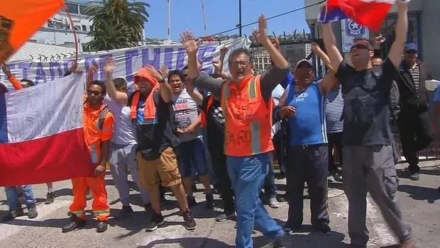 En solidaridad con Paro Portuario de Valpo: no se atenderán los buques que han salido de TPS