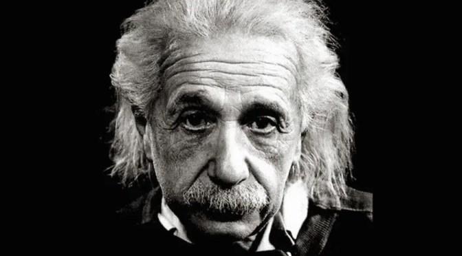 Albert Einstein. Constructor de Universos