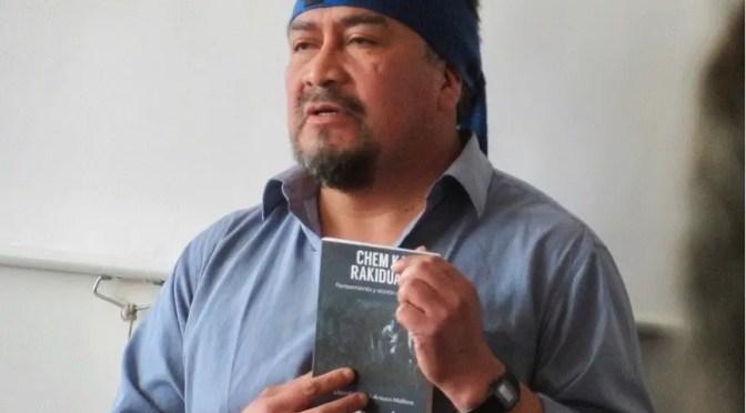 El weichafe Héctor Llaitul presentó libro de la CAM en Valparaíso