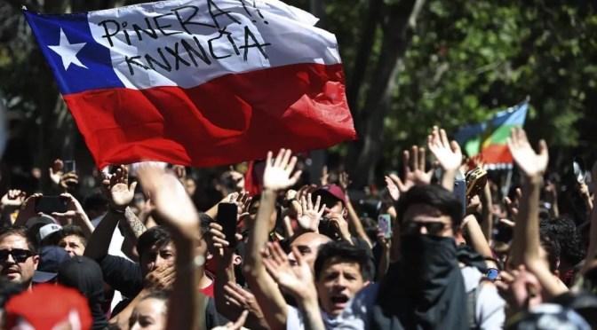 Hoy Huelga General: fuera Piñera asesino  de la Moneda, que gobiernen los trabajadores