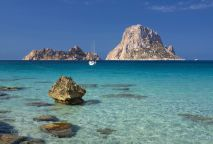 Cala d'Hort's Es Vedranell islands, Ibiza, Balears, Spani