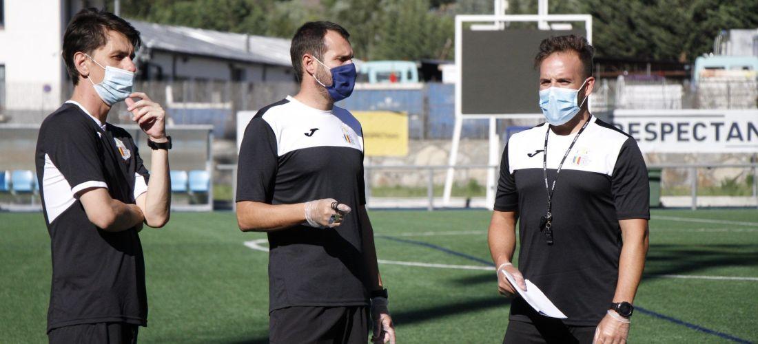 Albert Jorquera dirigeix el primer entrenament del Vallbanc FC Santa Coloma