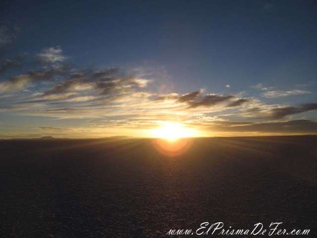 Amanecer en el Salar de Uyuni