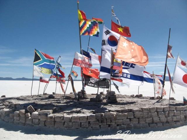 Banderas que dejan los turistas