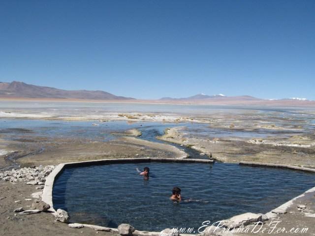 Aguas Termales de Polques en Salar de Uyuni
