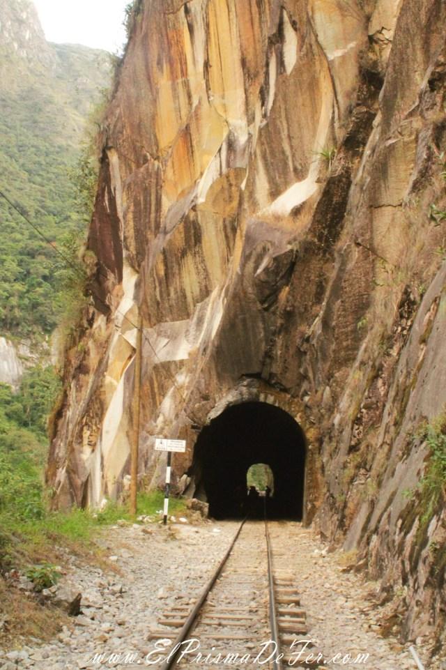 Uno de varios túneles a cruzar