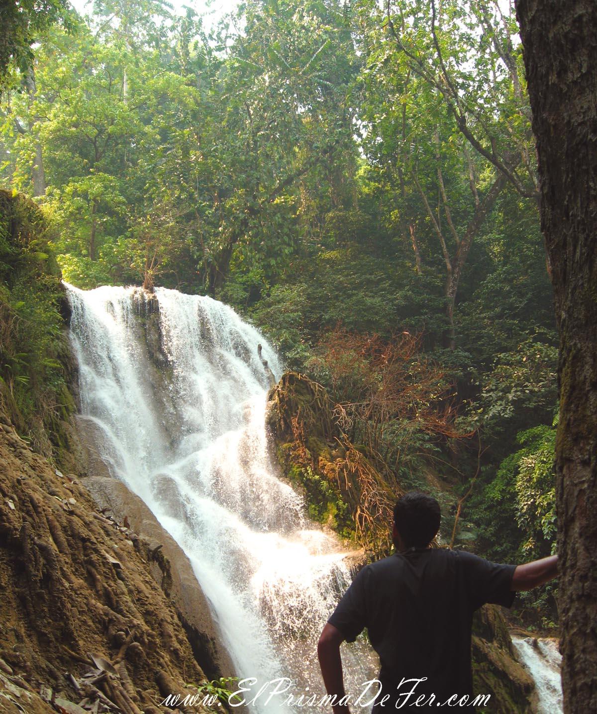 Cascada Tat Sae - Laos