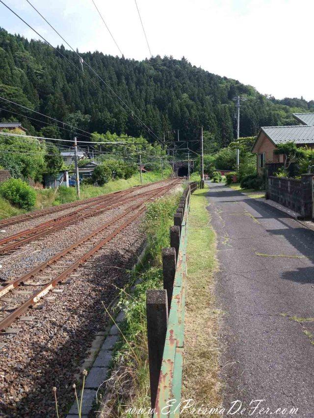 Vias cerca de la estación de Nagisio