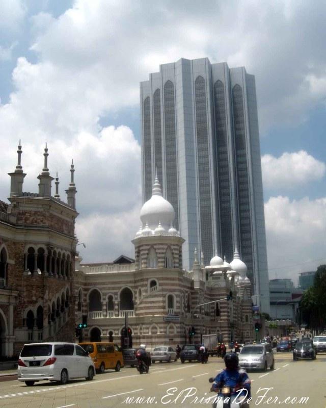 Contrastes de Kuala Lumpur