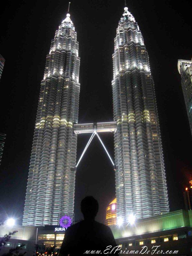 Las Torres iluminadas en la noche