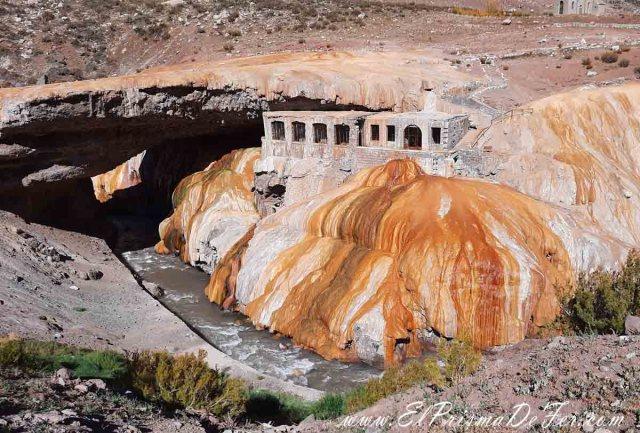 Otro de los puntos clásicos de Mendoza, El Puente del Inca