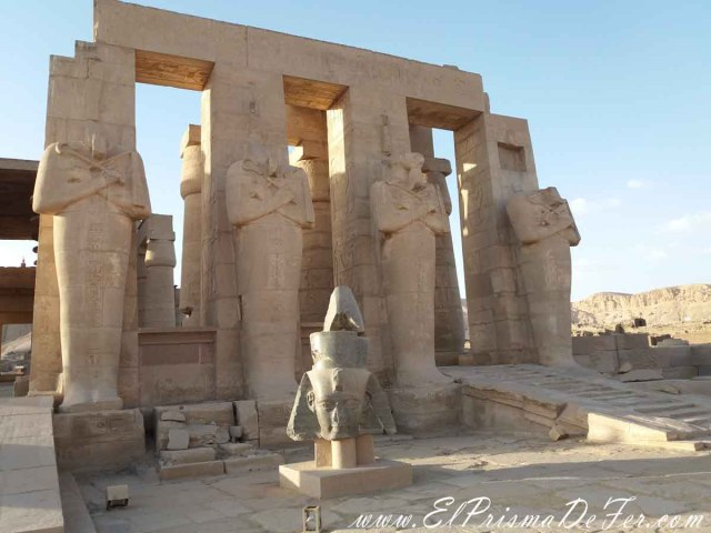 Templo de Ramesseum II, en Luxor