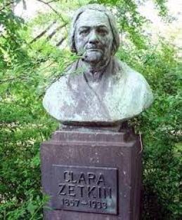 Busto a Clara Zetkin en Sajonia Alemania.jpg