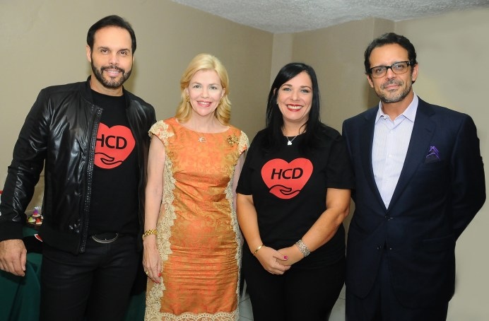 Fotografia Principal Frank Ceara, Susana Messina de Caro, Yenny Velásquez y Pedro Velásquez