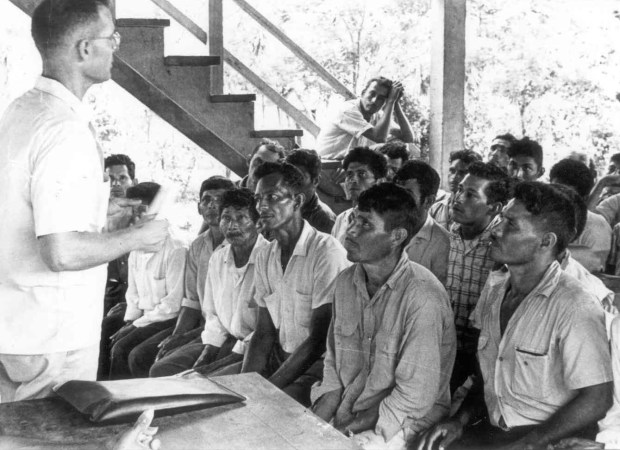 El Padre Guadalupe Carney trabajó activamente con los campesinos sin tierra del Aguán, buscando mejores condiciones de vida para los más necesitados.