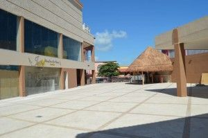 plaza party Cancun (2)
