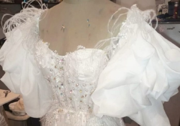 https://www.tabascohoy.com/viral-pago-60-mil-pesos-por-vestido-de-novia-se-lo-entregan-en-mal-estado/