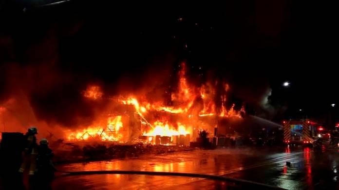 https://www.sdpnoticias.com/internacional/incendio-en-edificio-en-taiwan-deja-46-muertos/