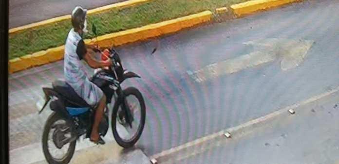 https://quintafuerza.mx/comunidad/sujeto-que-presuntamente-roba-autopartes-en-cozumel-es-captado-en-video/