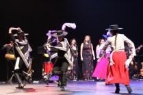 El Ballet Folclórico Municipal de Rancagua amenizó la inauguración en el Teatro Regional.