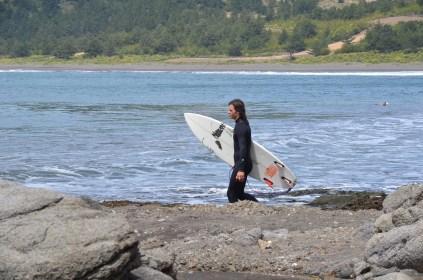4. Los surfistas han sido los únicos aliados de los pescadores en esta pelea.