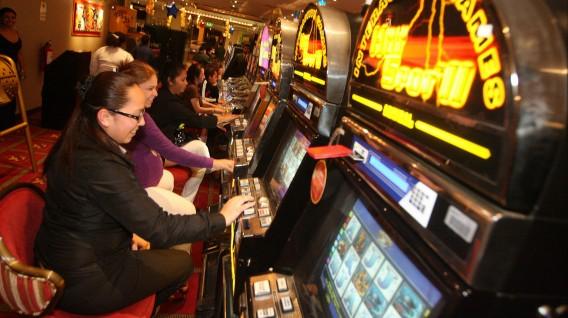 impuesto a los juegos de casino y maquinas tragamonedas concepto