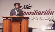 Pastor Davis López luego de los bautismos