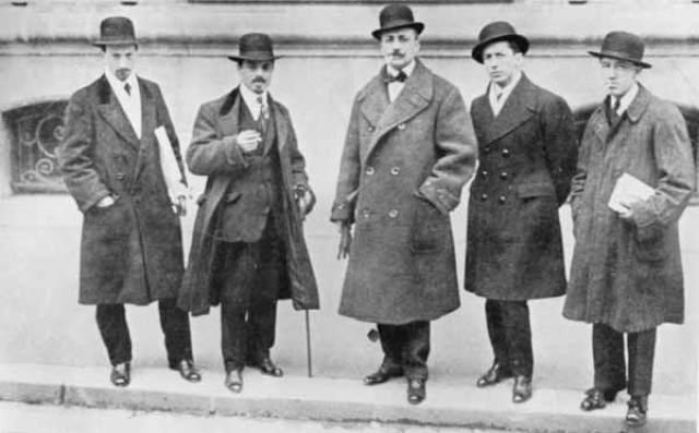 Marinetti en París junto a Russolo, Carrá, Bossioni (1912)