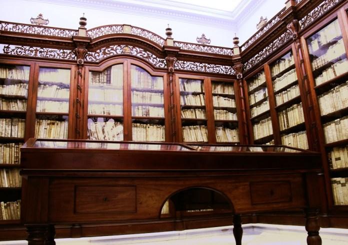 biblioteca hernando colón