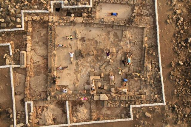 Arqueólogos Israelíes en el yacimiento de