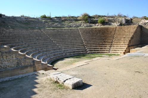 El teatro de Solos, siglo II d.C. (restaurado en 1962 por el departamento de Antigüedades)
