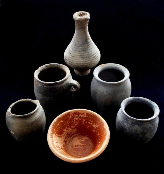 Vasijas cerámicas del cementerio. TOM BANKS ©