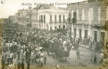 Entierro del general Ordoñez [Fuente: http://queverenmelilla.blogspot.com.es]