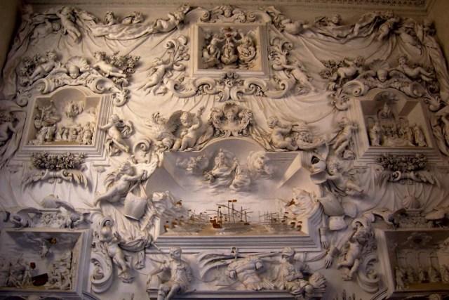 Representación en relieve de la batalla, de Giacomo Serpotta, en el Oratorio del Rosario en Santa Citta