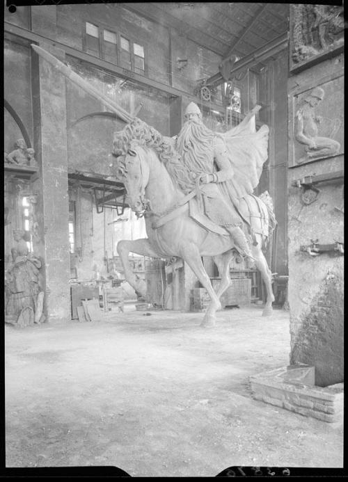 La escultura en bronce del Cid para Burgos, en el taller de su autor Juan Cristóbal González de Quesada