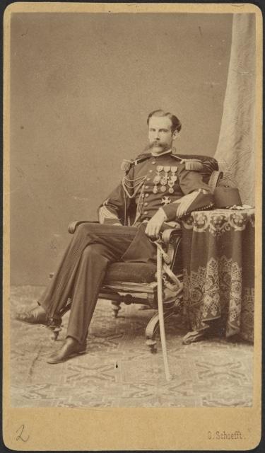 Waldemar Becker con su uniforme mexicano en Egipto