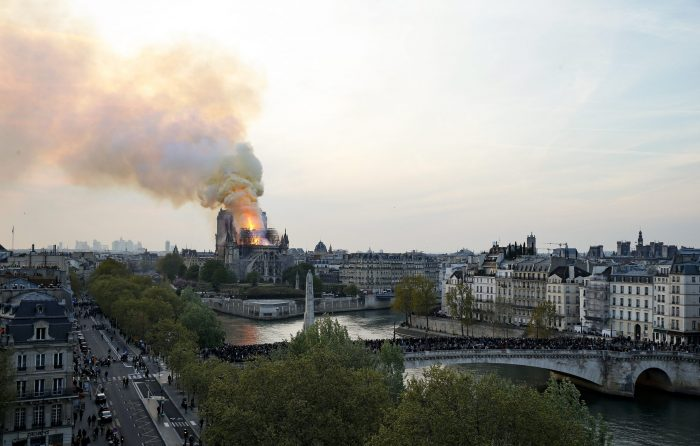incendio notre dame edificios historicos