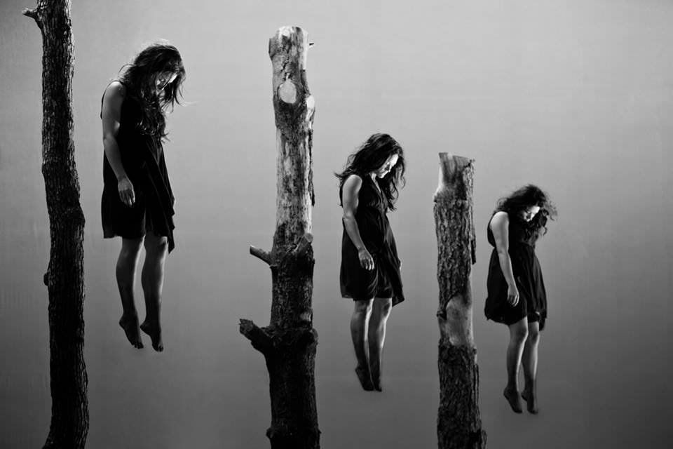 502 cabecera brujas levitando
