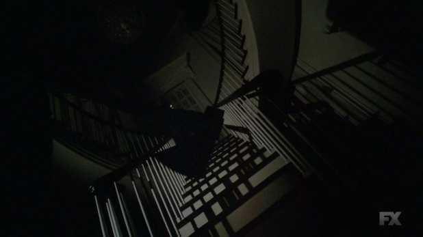 601 cabecera escalera hombre hacha