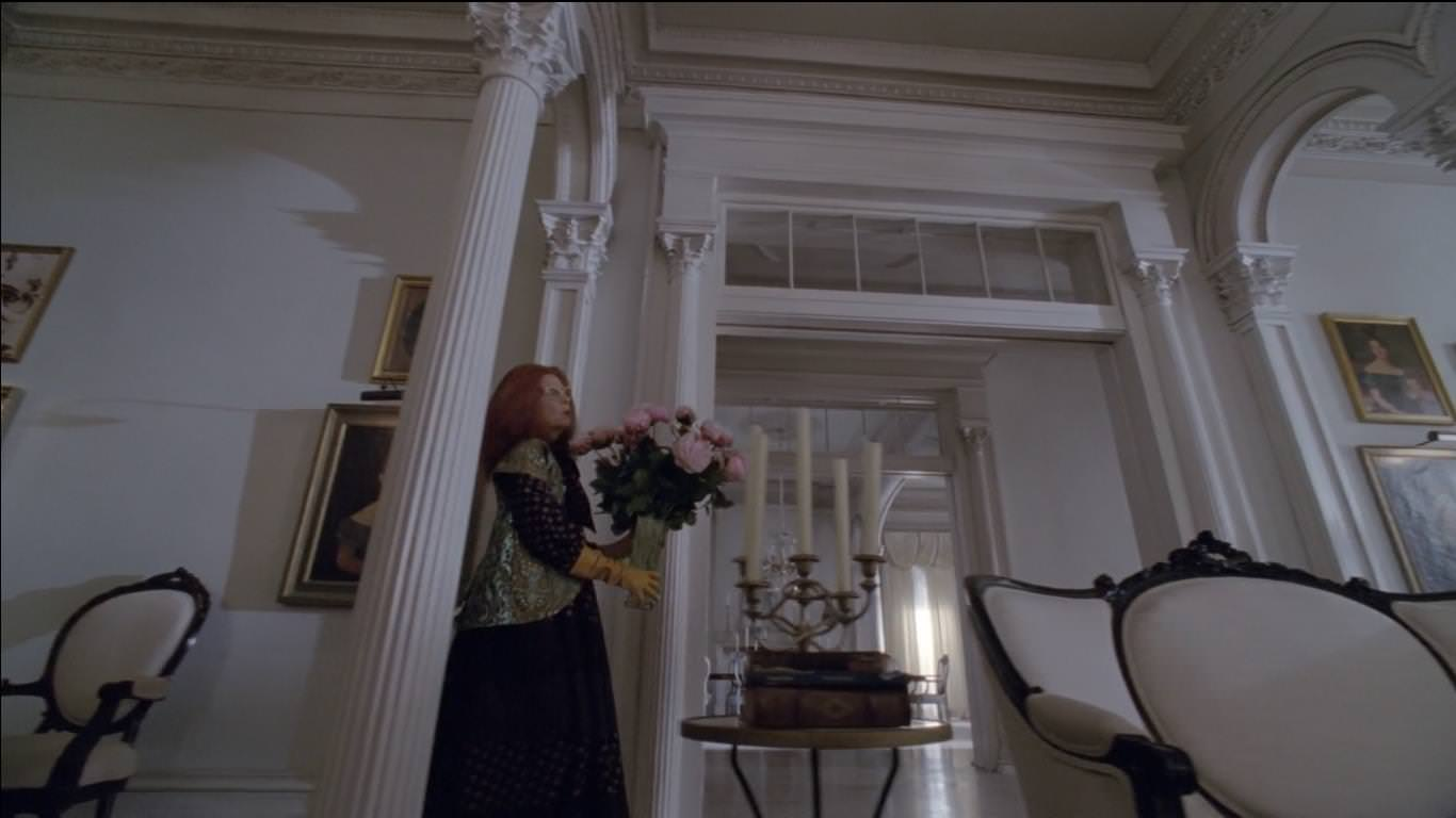 American Horror Story: Coven 3x12: Myrtle lleva flores a Fiona