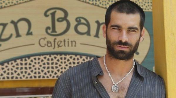 Rubén Cortada es Faruq Ben Barek en El Principe