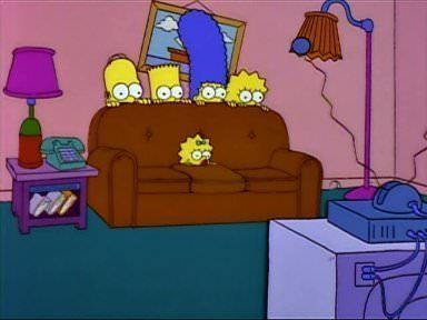 the simpsons en el sofa